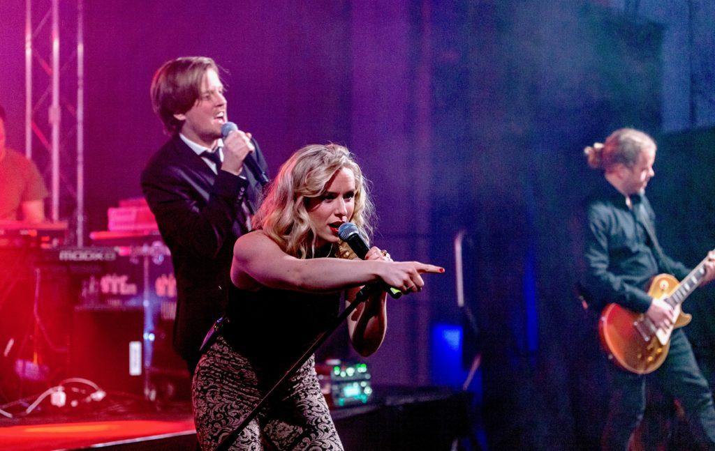 Showbøcks Partyband leverer topp festmusikk