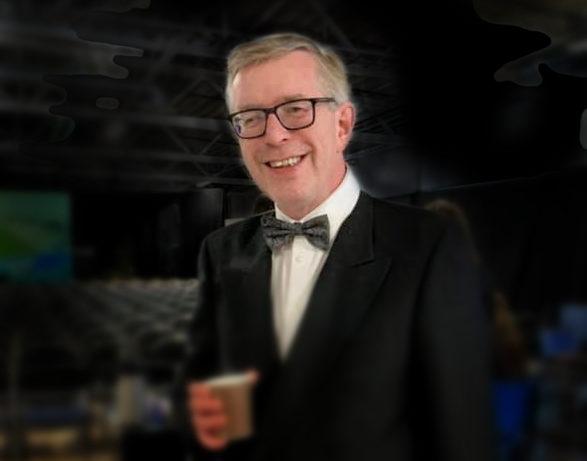 Komiker Øivind Roos er også en stø konferansier