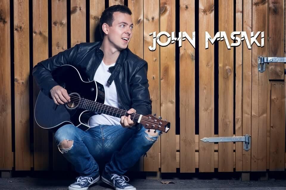 John Masaki bookes på Underholdningssjefen.no