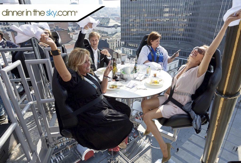 Dinner in the sky for jentegjengen?